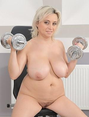 gym milf nackt