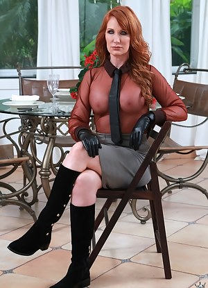 Nude women boots sexy