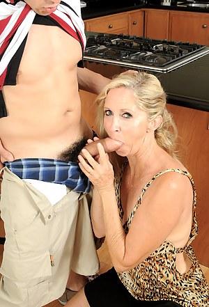 Moms Clothed Sex Porn Pictures
